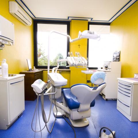 Estrazione dente Studio medico dentistico D'Amato Luigi Ariano Irpino Avellino